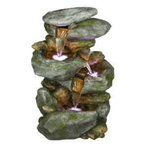 Fontána imitující kamenné kaskády