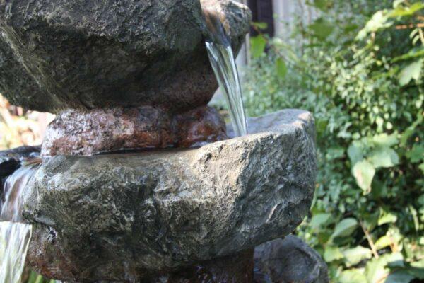 Umělá fontána Duna